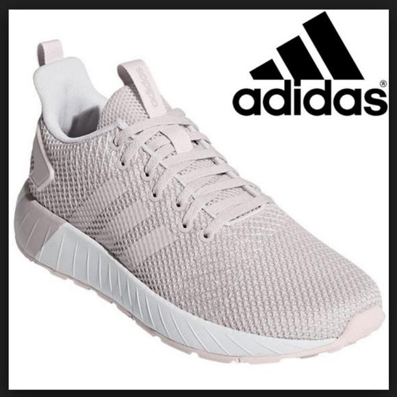 Zapatos de la zapatilla de deporte Adidas Questar Cushion poshmark con cloudfoam NIB